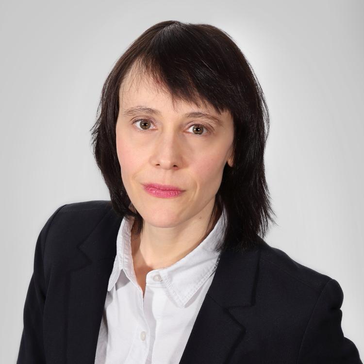 <b>Nadia Dubé</b><br>Ph. D., MBA
